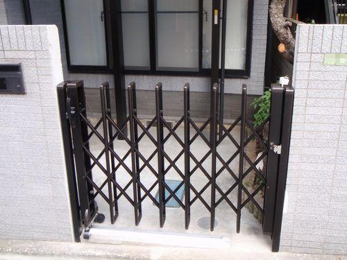 伸縮ゲート