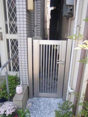 片開き門扉